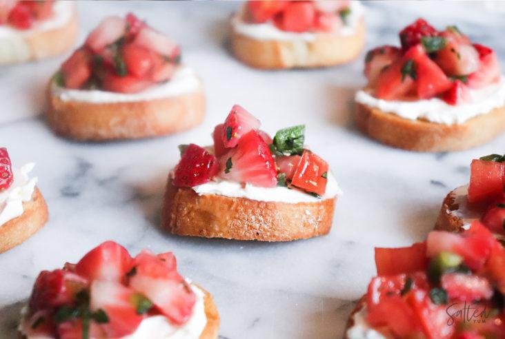 Strawberry-Salsa-Bruschetta
